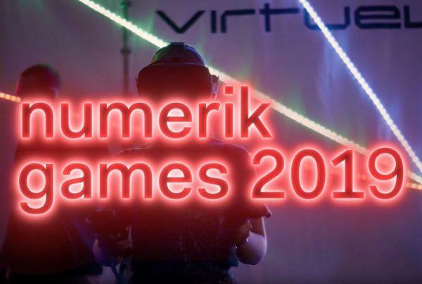 Jeune femme découvrant la réalité virtuelle VR lors du Numerik Games 2019